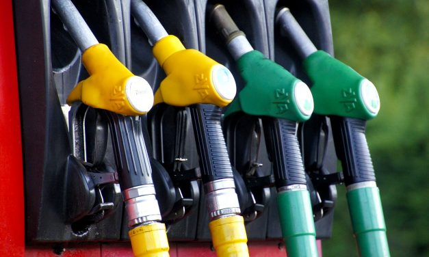 The Best Gas Rewards Credit Cards: Pros & Cons Of Each